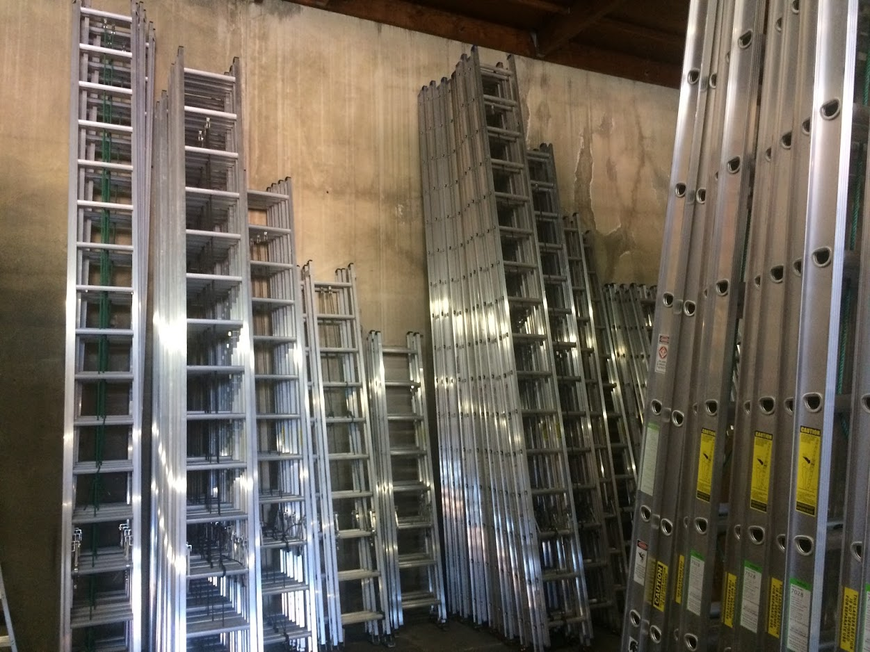 Extension Ladders, Extension Ladders Sacramento, Extension Ladders Oakland, Extension ladders San Francisco, Extension Ladder with Leg Levelers, Extension Ladders Bay Area, Extension Ladders San Jose