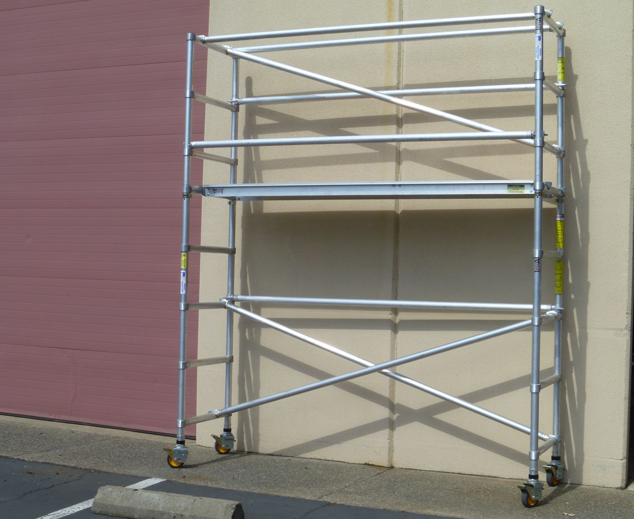 Metal Scaffolding Ladders : Steel and aluminum scaffolding industrial ladder