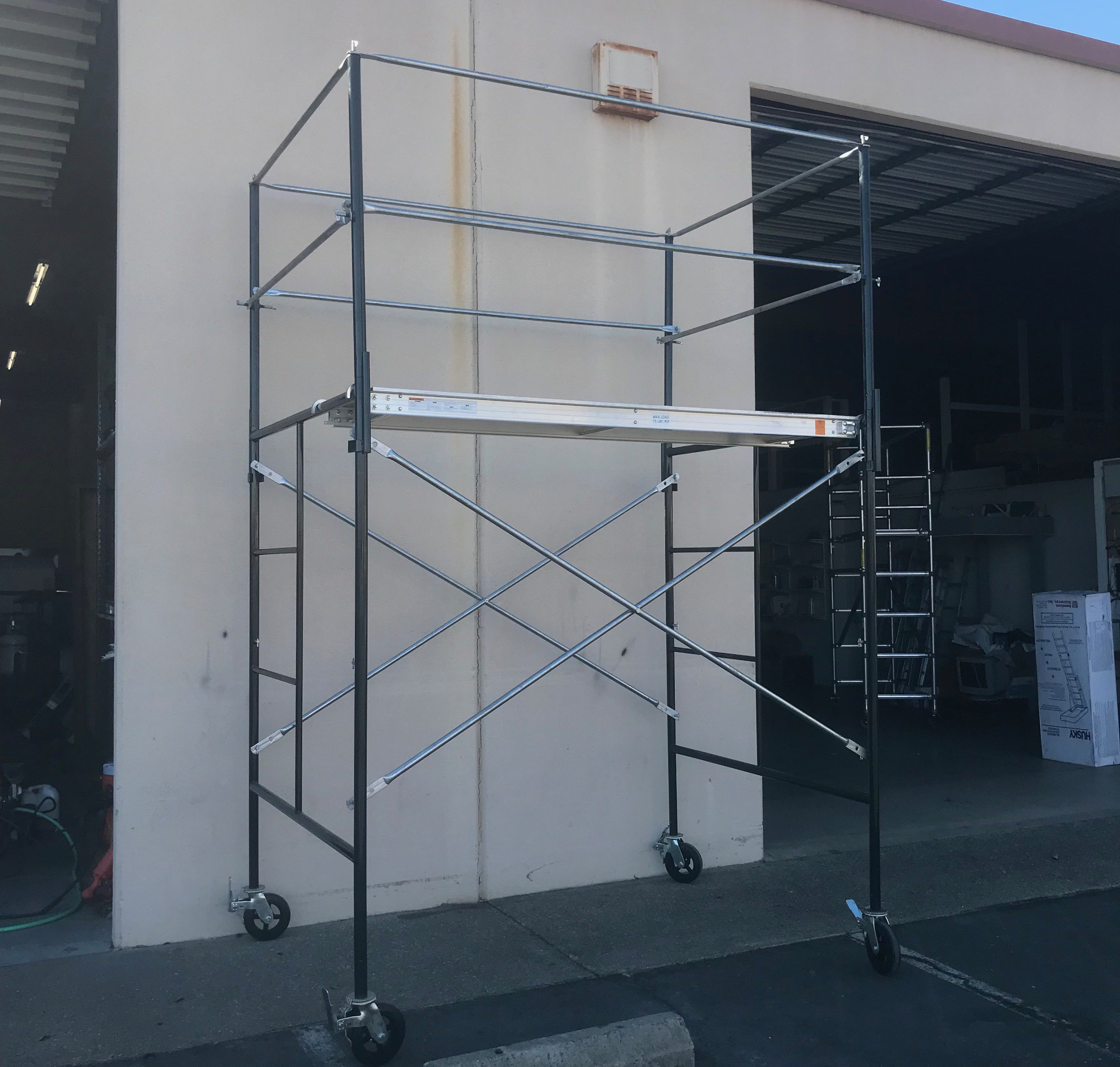Vampire Steel Scaffolding : Home page industrial ladder and scaffolding inc